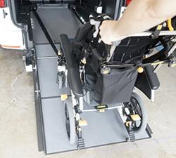 安全でフラット荷台にもなるジニアスランプ2