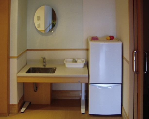 気まま館 柏 昇降式洗面台と傾斜機能付鏡