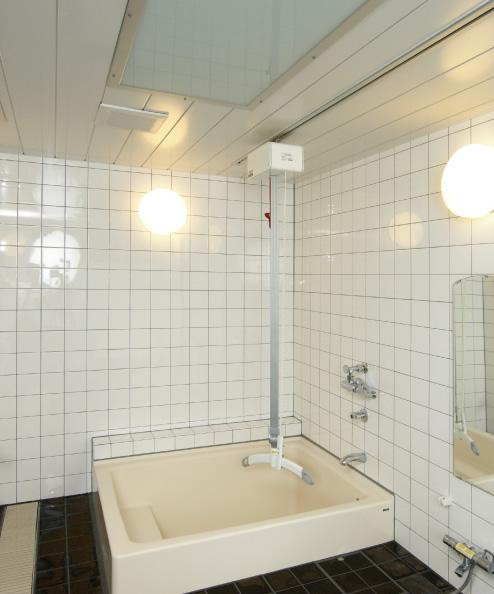 天井走行リフトで入浴