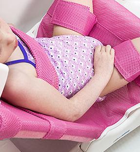 肌に接する布地とストラップは敏感肌にもやさしい柔らかい素材です。 リフトンウェーブ