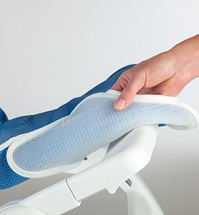 肌への接触をさらに快適で優しくするためにパディングを追加しクッション性を高めました。 リフトンウェーブ