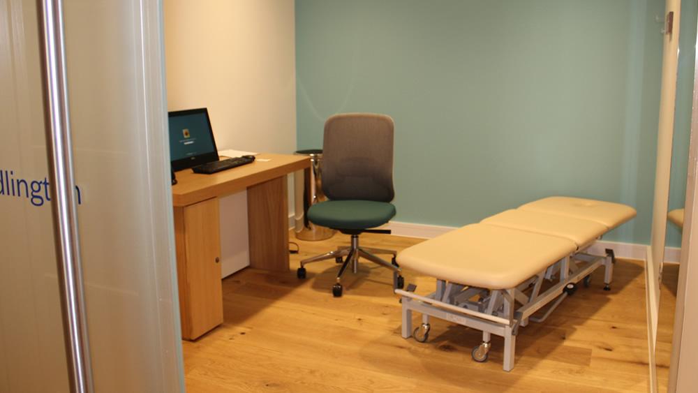 スポーツ専門医学 Adlington Room 3セクショントレーニングテーブル ロンドン、英国s.jpg