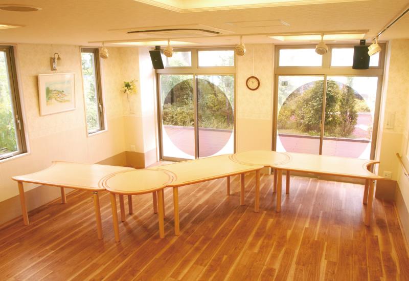 椅子・テーブル.フリーレイアウトテーブル.jpg