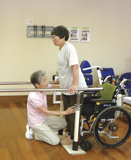 立位バランス訓練:左右のバランスをとってしっかり荷重する訓練です。