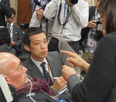 委員会初質疑 ALS・呼吸器使用の舩後靖彦 参議院議員