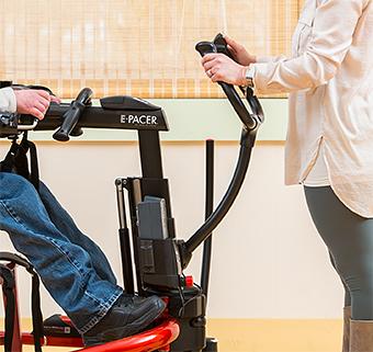 介助者用ハンドル(オプション) 免荷表示装置付歩行訓練車 リフトン ペーサー(電動)